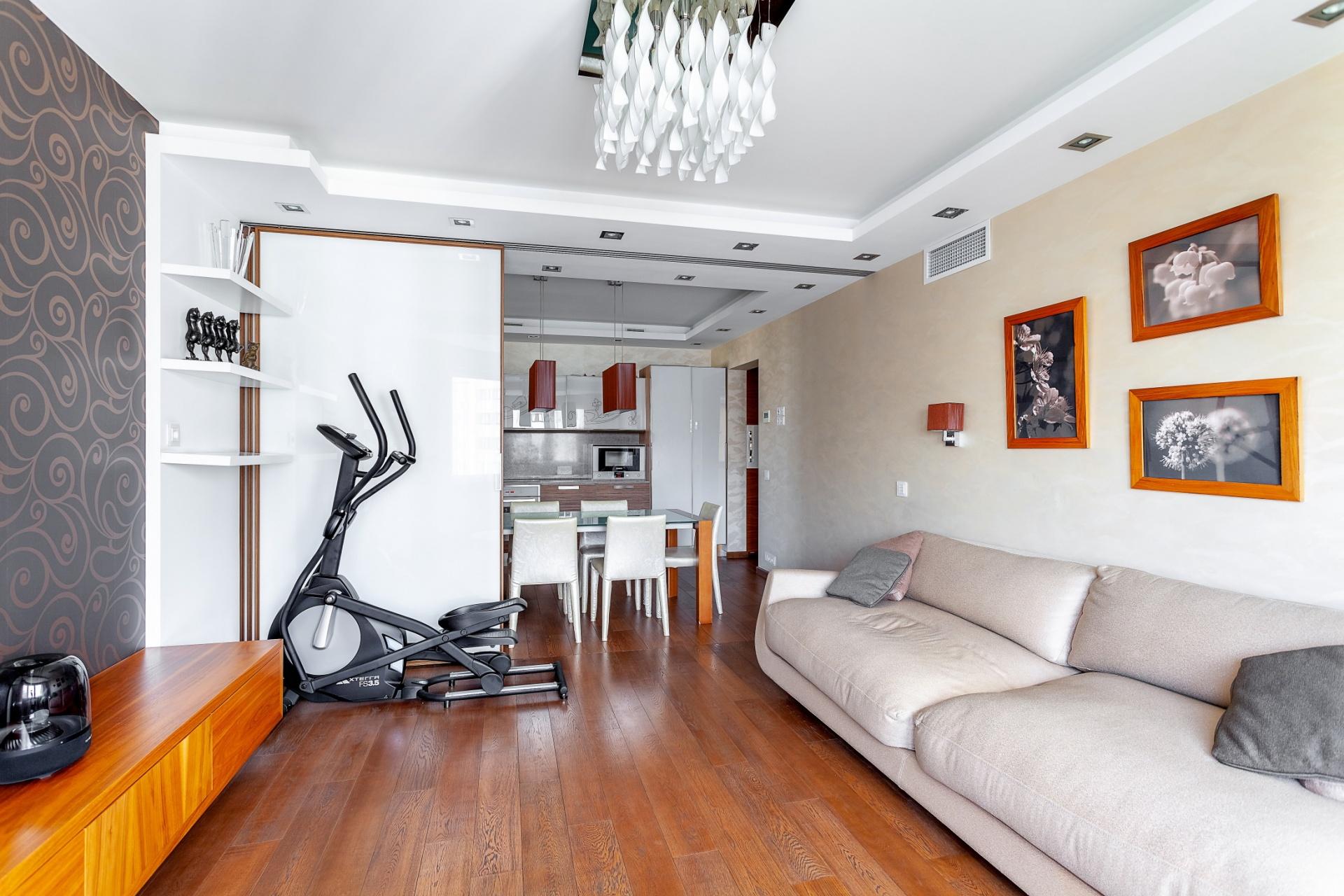 Продам трехкомнатную (3-комн.) квартиру, Коштоянца ул, 47к2, Москва г
