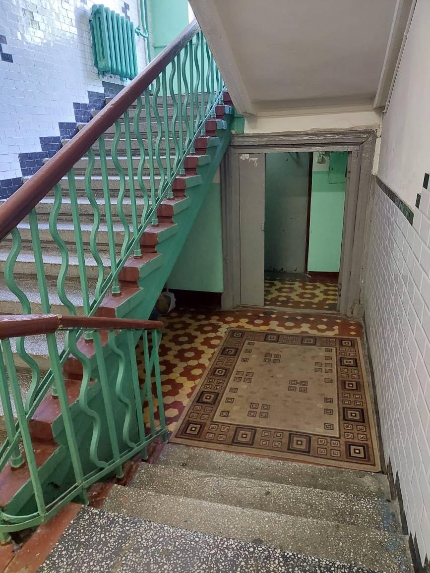 Продам двухкомнатную (2-комн.) квартиру, 2-я Кабельная ул, 10, Москва г