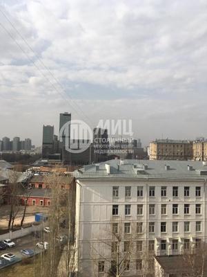 Продам трехкомнатную (3-комн.) квартиру, Кутузовский пр-кт, 8, Москва г