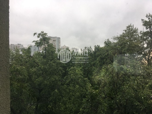 Продам двухкомнатную (2-комн.) квартиру, 12-я Парковая ул, 5, Москва г